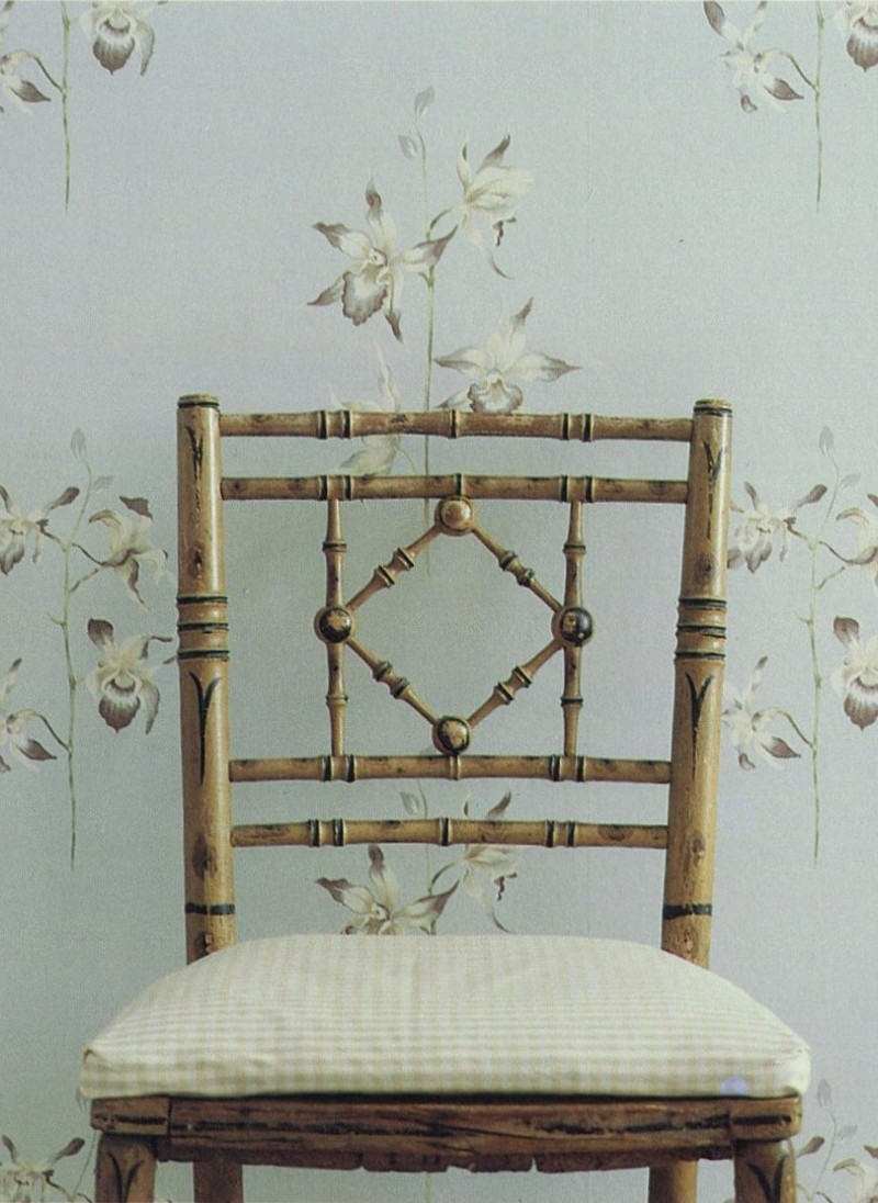 Sanderson fabric, orchid wallpaper, chair, styling Rebecca de Boehmler