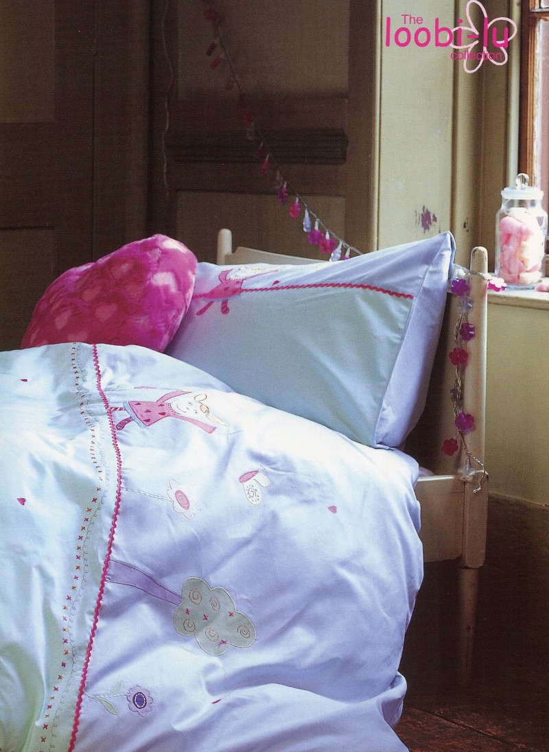 Ditton Hill, kids/girls bedlinen, styling Rebecca de Boehmler