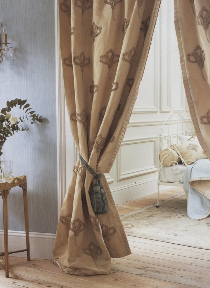 Zoffany curtain. Gimp3