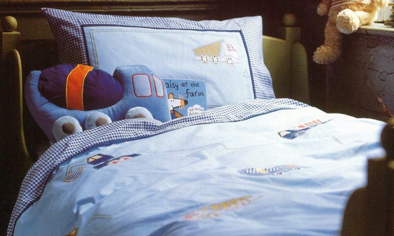 Bedlinen, bedroom setting boys trucks