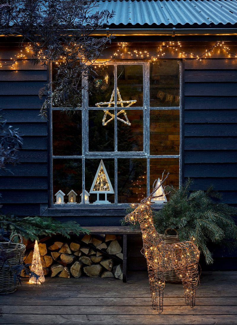 Dobbies christmas outdoor  lighting cabin.